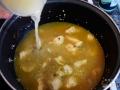 Cocer en caldo de pollo