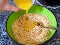 Mezclar galletas y mantequilla