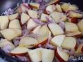Pochar cebolla y manzana