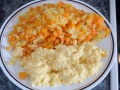 Verduras y huevos revueltos