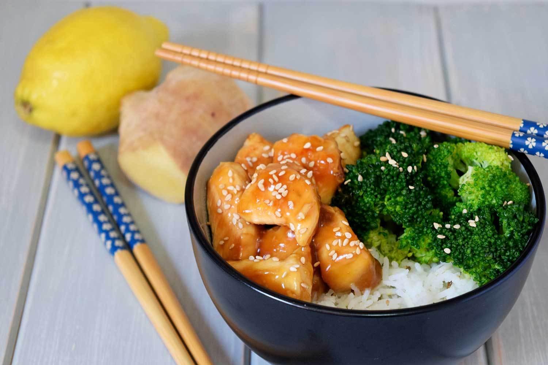 Pollo con brócoli a la soja y miel