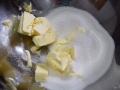 Mezclar mantequilla y azúcar